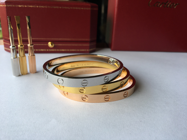 Can you buy a cartier love bracelet for yourself or your girlfriend / boyfriend? only $103 USD