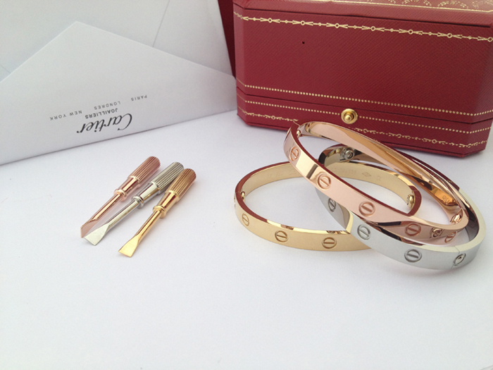 1:1 Best Replica Cartier love bracelet yellow gold, pink gold, white gold