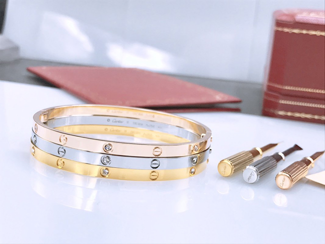 Cartier Love Bracelet SM WITH 6 DIAMONDS