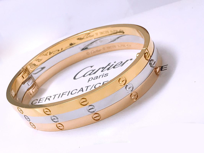 18K Gold Cartier Love Bracelet Small Model NO DIAMONDS